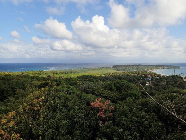 little-corn-island-nicaragua-beach-bungalow-eco-lodge-resort-hotel-hike-walk-view