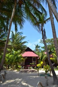 little-corn-island-nicaragua-beach-bungalow-eco-lodge-resort-hotel-cabin-gulliver