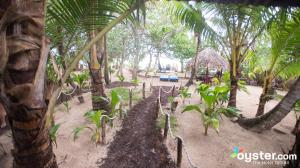 little-corn-island-nicaragua-beach-bungalow-eco-lodge-resort-hotel-grounds-3
