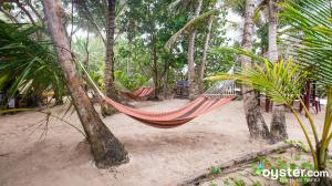 little-corn-island-nicaragua-beach-bungalow-eco-lodge-resort-hotel-hammock-relaxing