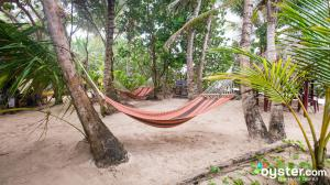 little-corn-island-nicaragua-beach-bungalow-eco-lodge-resort-hotel-hammocks-2
