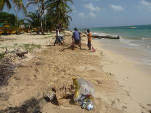 little-corn-island-beach-cleaning